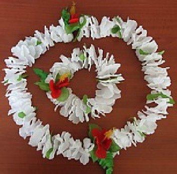 Havajská párty - bílý havajský květinový věnec na krk + náramek na ruce